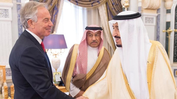 Custodian of the two holy Mosques King Salman meeting with Former UK Prime Minister (Photo courtesy of the Saudi Press Agency)