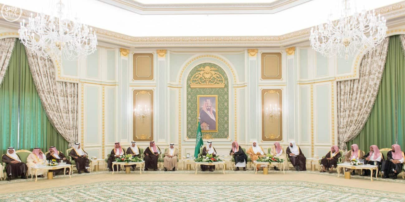King Salman at Al-Yamamah Palace with Shura council (Photo SPA)