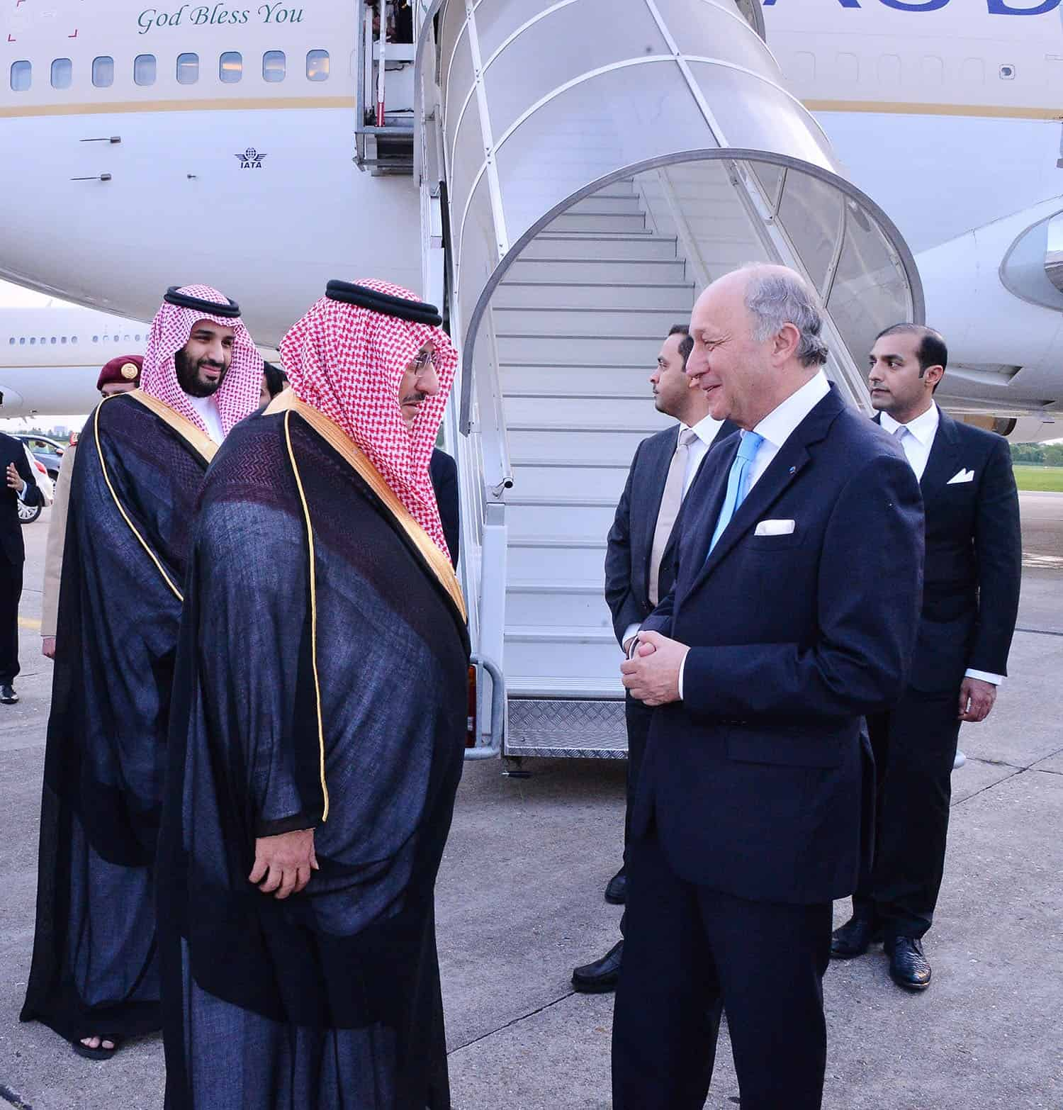 Crown Prince and Deputy Crown Prince arrive in France (Photo SPA)