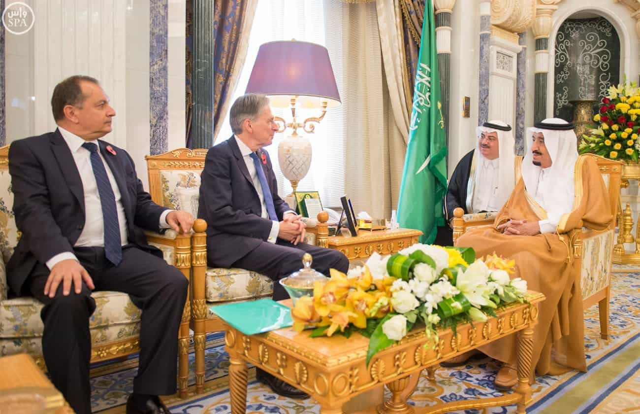Custodian of the Two Holy Mosques receives British Foreign Secretary