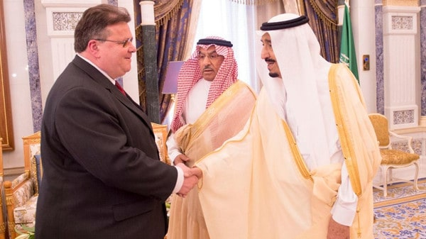 King Salman greets Lithuania's Foreign Affairs Linas Linkevicius. Photo: SPA
