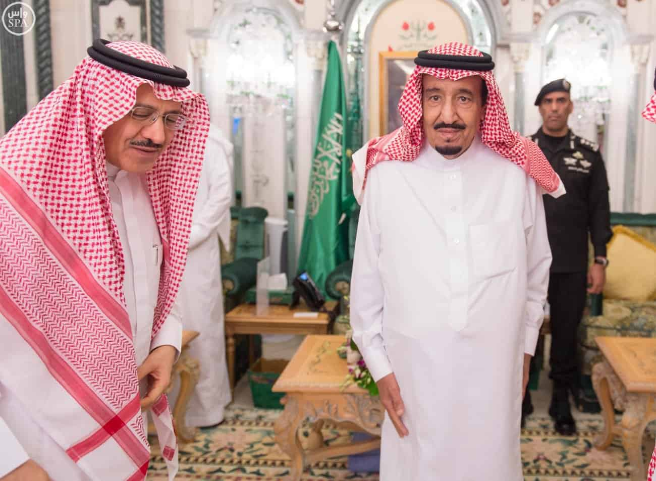 Custodian of the Two Holy Mosques receives his brother and sons (SPA)